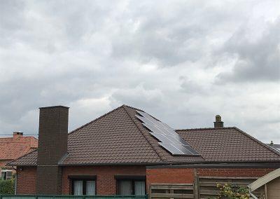 Hellend pannen dak Dakwerken Lenaers